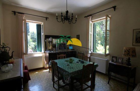 Müüa 4-toaline 110m² korter Korful
